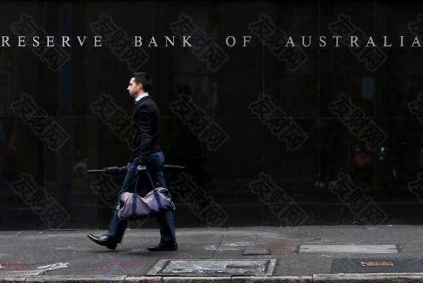 澳大利亚央行正在审议有关放宽政策的三个关键问题