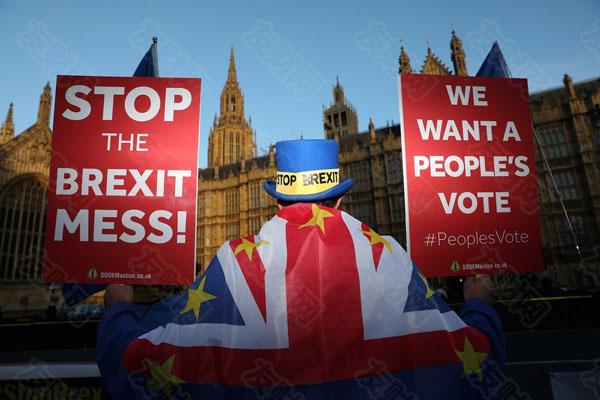 英欧大玩边缘政策逼对方率先作出让步
