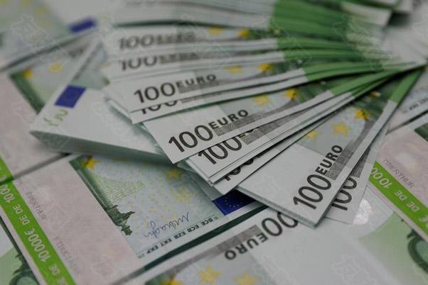 欧元上个月成为全球支付使用最多的货币