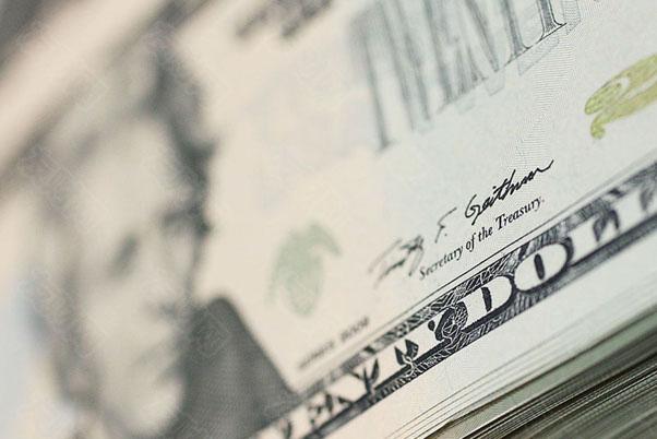 美元走软将在2021年提振股市等一切资产上涨