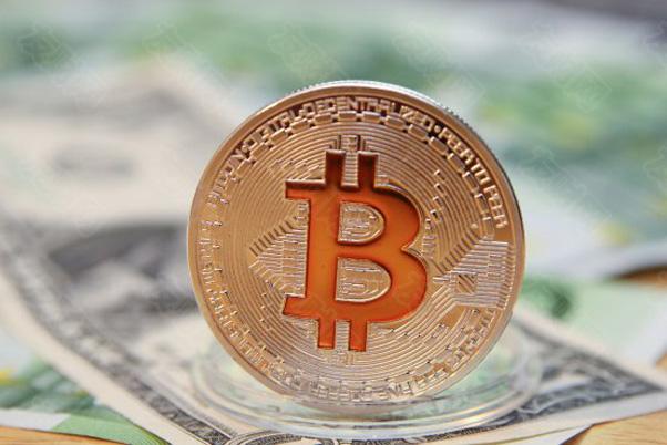 摩根大通:随着与黄金展开竞争 比特币长期价值可能会升至14.6万美元