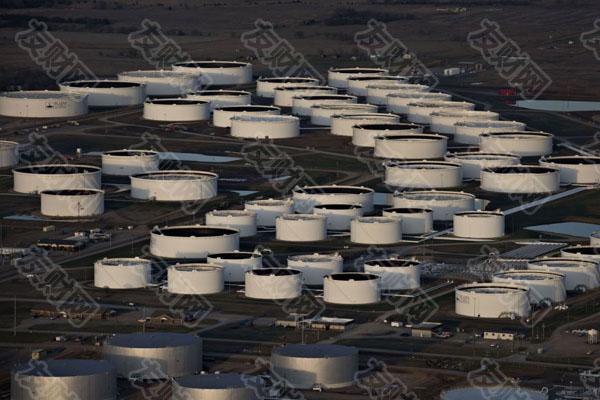 油价暴跌表明市场过于乐观、涨得太快了