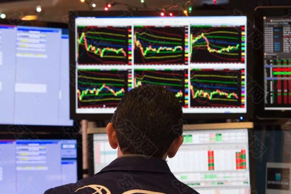 随着夏季的到来 投资者正在权衡是否要将股票收益套现