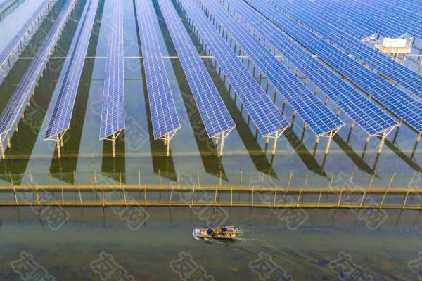 作为今年中国规模最大的IPO 可再生能源巨头上市首日大涨