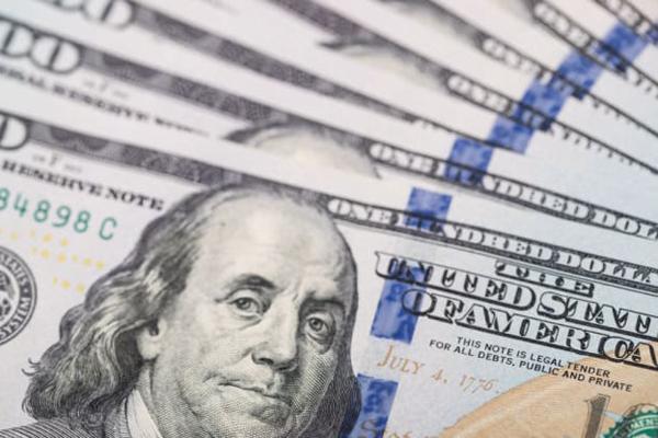 分析师认为近期应增加看多美元的押注 但对持续时间存在分歧