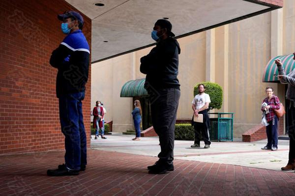 美国首次申请失业救济人数意外增加 远超预期