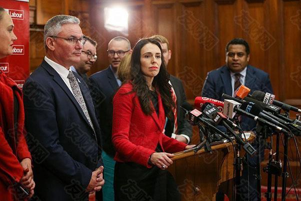 因一例新冠病例封锁全国后 新西兰央行今日意外暂缓加息