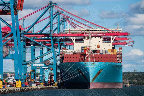 美国、中国和欧洲正努力解决集装箱运输瓶颈问题