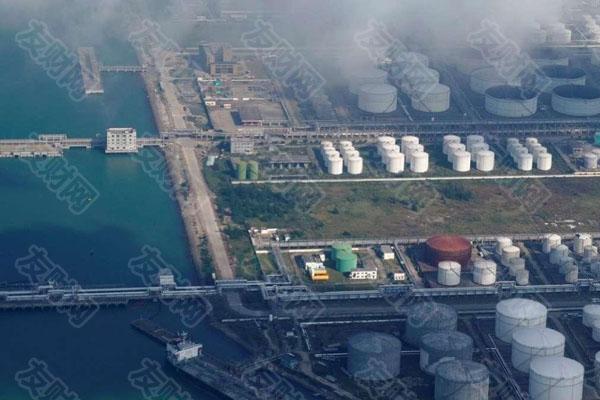中国历史性出售石油储备干预石油市场