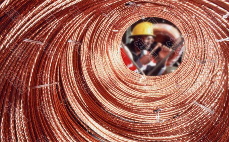 """【友财网外汇资讯】-美国拜登政府周四表示,将重新启动一项程序,以永久叫停Pebble Mine项目的开发,从而永久保护阿拉斯加的一处重要水域的生态。  Pebble Mine是全球最大的铜和金矿床之一,如果开发完成,该露天金铜矿每年将合计生产超过7000万吨黄金、钼和铜矿石。  但同时,该矿所在的阿拉斯加布里斯托尔湾流域拥有世界一流的红鲑鱼渔场。如果开发该金铜矿,矿产项目将需要使用大量水资源,这将破坏当地生态,影响当地鲑鱼行业超过10亿美元的收入和10000多个工作岗位。  2014年,奥巴马政府曾推动拟定审核《清洁水法》第404(c)条,如果最终确定这一条款,可能会永久阻止Pebble Mine矿的开发。  2019年,特朗普政府的环境保护署曾做出决定,要求撤回《清洁水法》第404(c)条的审批程序,取消对布里斯托尔湾流域的保护。不过,在2020年11月,前总统特朗普领导下的陆军工程兵团还是拒绝了该矿的关键用水许可证,原因是阿拉斯加的共和党美国参议员、特朗普的儿子小唐纳德·特朗普反对这个采矿项目,后者曾游说保护该地区的渔业和狩猎资源。  如今,拜登政府司法部向阿拉斯加联邦地区法院提交文件,要求正式撤销特朗普政府的决定。  如果法院批准了这一请求,将自动恢复美国环保署《清洁水法》第404(c)条的审查程序。从而恢复保护布里斯托尔湾流域水域的努力。  美国环保署署长迈克尔·里根(Michael Regan)说:""""布里斯托尔湾流域是阿拉斯加的一个宝藏,它强调了洁净水在美国的关键价值…关键在于防止污染对阿拉斯加原住民造成影响,并保护北美产量最高的鲑鱼捕鱼业的可持续未来。""""  居住在该地区的15个土著部落对EPA的声明表示欢迎,并呼吁对该流域进行永久保护。布里斯托尔湾联合部落主席罗伯特·海亚诺说:""""布里斯托尔湾的人民期待环保署听取科学意见,完成保护我们的土地和水域的工作。""""  (来源:财联社)"""