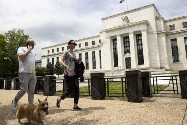 美联储个别官员频繁进行股票交易 引发加强监督呼吁