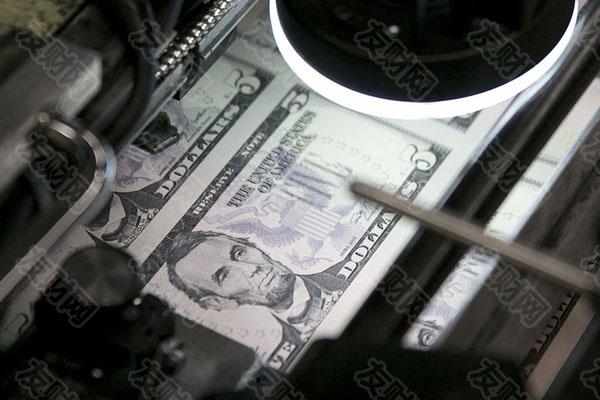 """调查显示:""""王者""""美元在短期内将主导汇市 一年后将让位给其他货币"""