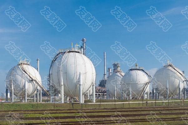 能源价格的大幅飙升威胁着经济复苏 并已经在减缓经济增长